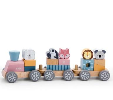 Tren apilable con animales. Formado por bloques fáciles de manipular. Los vagones se separan para acortar el tren o jugar individualmente. Medidas:12 x 37 x 8 cm