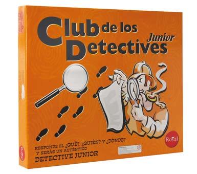 Juego Club de los Detectives. Para ganar se deberá descubrir el misterio. El juego contiene: 21 tarjetas, 1 tablero, 1 libreta de notas, 1 dado, 1 sobre, 6 peones, y 6 armas plásticas en miniatura. Para niños de 8 años en adelante.
