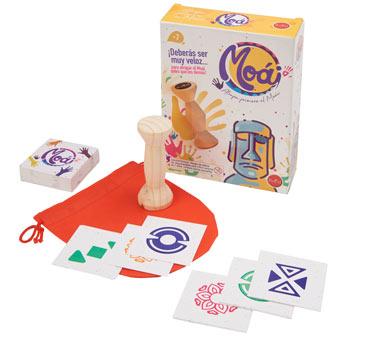Moái, Juego de agilidad e ingenio para toda la familia. Contiene: 70 cartas, 1 Moái de madera, 1 bolsa. No recomendable para niños menores a 7 años. Instructivo del juego en la caja.