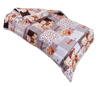 Acolchado Cotton Flor 1 Plaza King size Material: doble guata Medidas: 2,45 * 1,60 cm Composición: 48% algodón, 52% poliester Hipoalergénico.